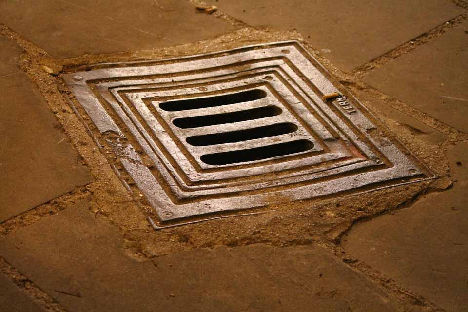 Manhole Rehabilitation Spin Casting
